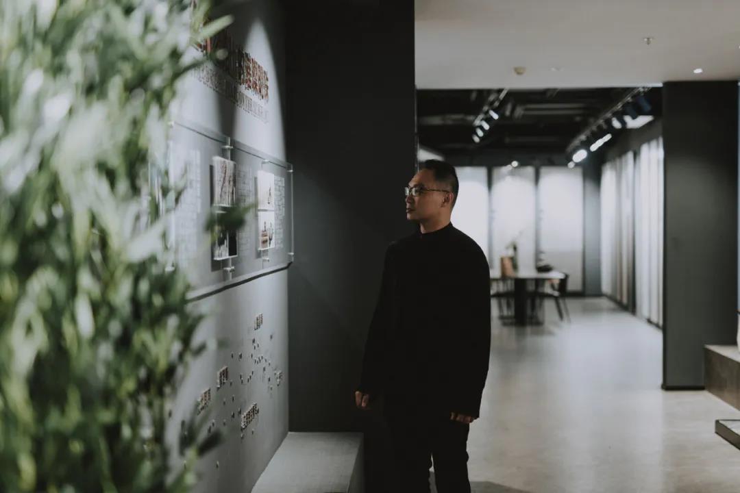 格莱茨瓷砖文化馆陈嘉君现场参观图