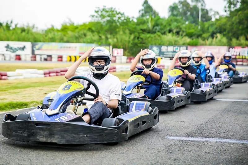 赛车1.jpg