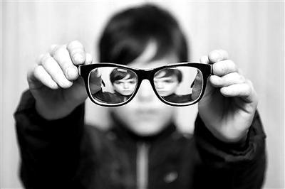 视力治疗仪(哺光仪)
