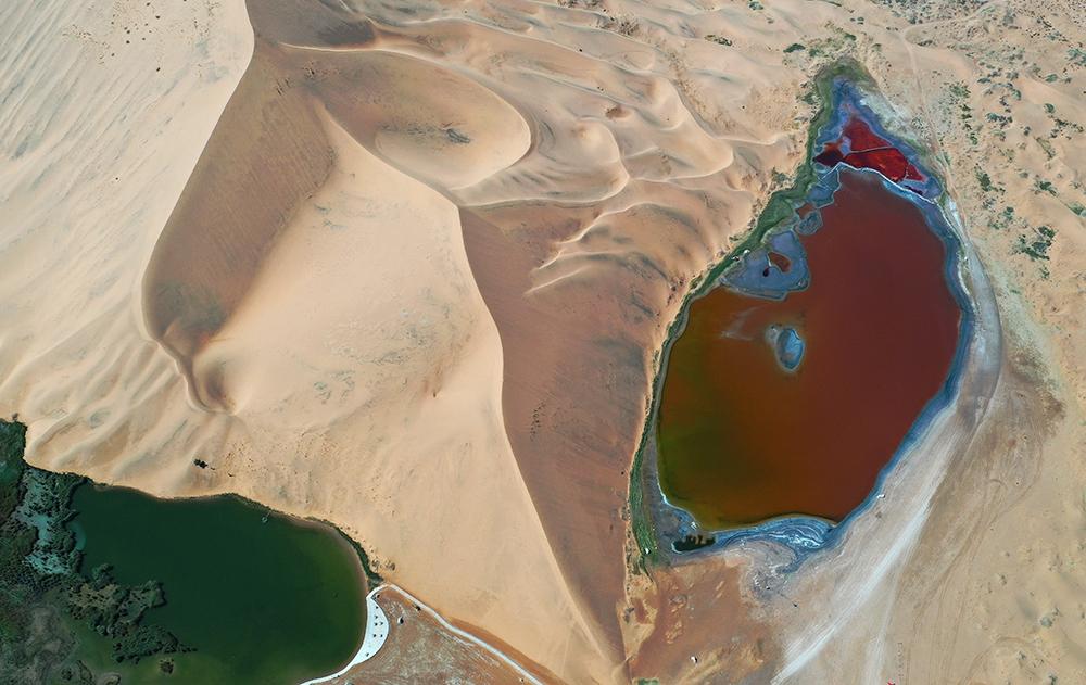 巴丹吉林湖泊3.jpg