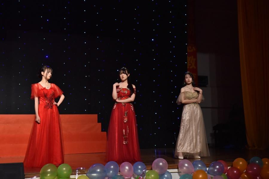 舞台走秀2。.JPG