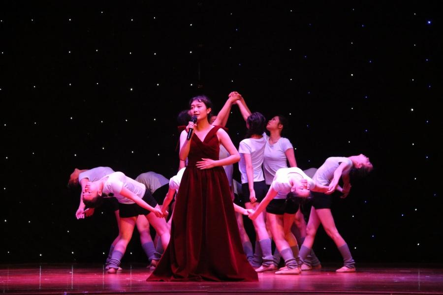 12现代服务产业系幼教1751班朗诵+舞蹈《少年中国梦》。.JPG