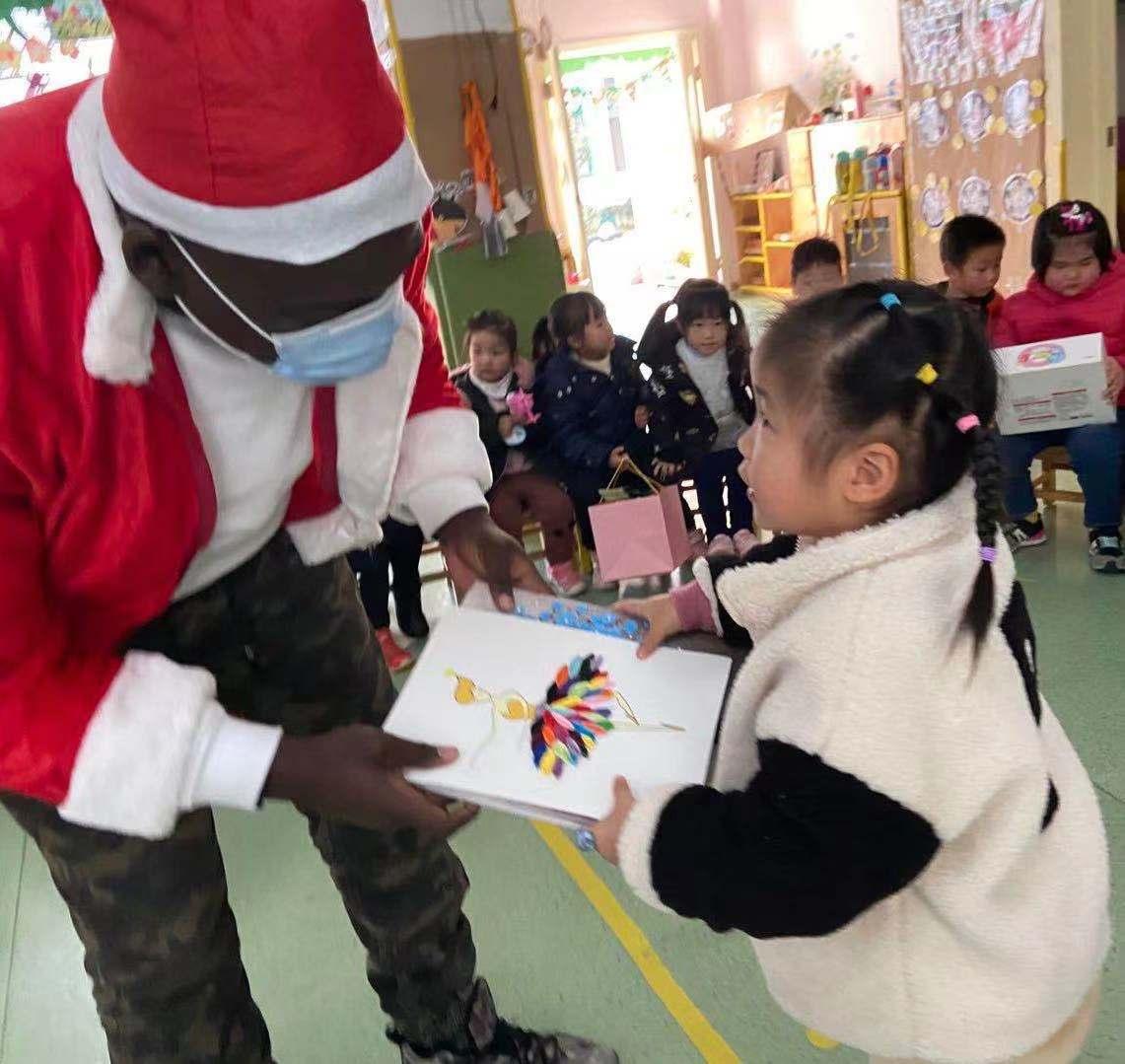 """""""诞""""愿有你 — — 爱尼尔幼儿园2020圣诞节精彩活动"""