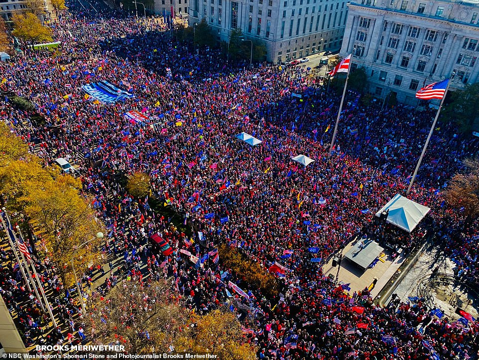 35681218-8949081-Pro_Trump_groups_gathered_in_Freedom_Plaza_above_at_noon_on_Satu-a-34_1605400984646.jpg