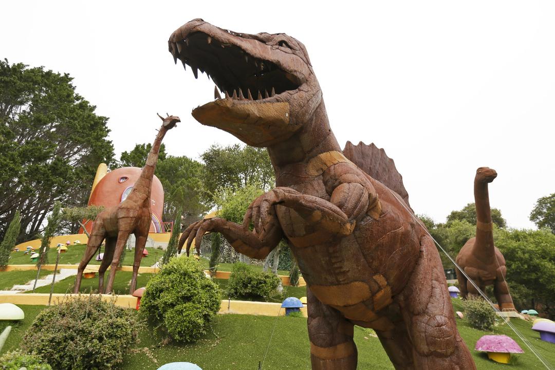 210627-flintstone-house-dinosaurs-jm-1304.jpg