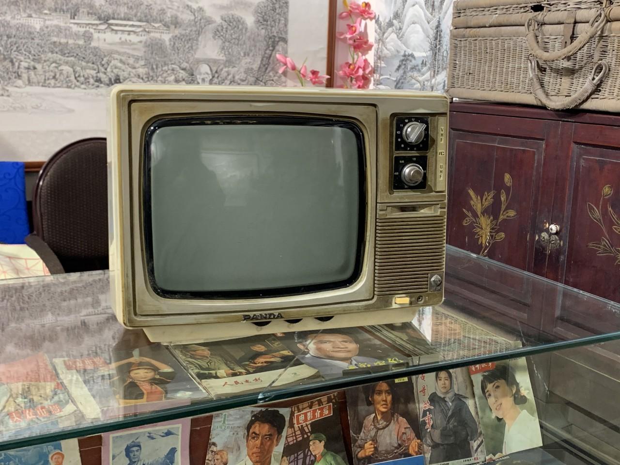 老电视.jpg